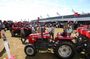 Customers Massey Ferguson visiting Agrishow