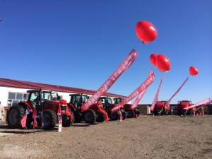 4 units of Massey Ferguson High HP tractor MF7624 and 2 units of large square baler MF2170 are displayed grandly in the yard