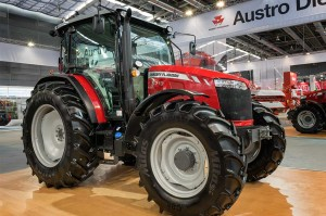 MF 6700 Series completes Massey Ferguson's Global Series of tractors from 75hp to 130hp