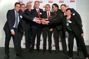 Moundir Rachidi, Member of the Jury, Eric Odièvre, HR Director AGCO France, Spain, Portugal, Africa and Middle East, Thierry Lhotte, Vice President Marketing Massey Ferguson EAME, Olivier Dussart, Manager Manufacturing Engineering & APS AGCO Beauvais, Philippe Kerbat, Manager Quality Beauvais Site, Xavier Arruego, Communication Officer Beauvais Site, Boussad Bouaouli, Vice President Manufacturing AGCO Beauvais, Laurence Barbaray, Member of the Jury ( ©Pascal Guittet )