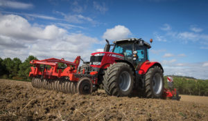Massey Ferguson MF 6718 S – The World's First 200hp Four-Cylinder Tractor – Makes its SIMA Debut